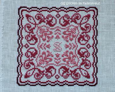 """""""Monogrammed Tulips"""" von JBW Designs gestickt auf Zweigart Belfast naturweiß 2/2 mit Nuances de rose"""