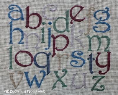 """""""Alphabet du Jardin IV"""" von Alice and Co. gestickt auf Zweigart Belfast blassgrün 1/1 mit Nuances de vintage"""